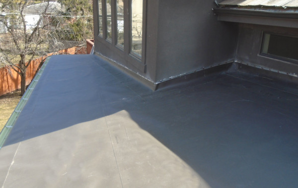 Dark Brown low-slope (flat) TPO roofing – Project 14071101