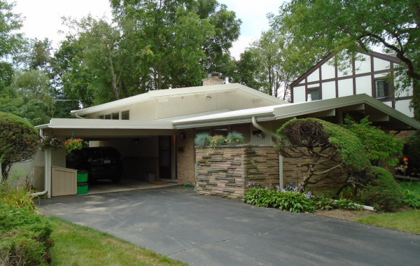 Low-slope (flat) TPO roofing system installed right over wood ceiling boards – project 15031302